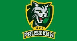 Gimnazjum nr 4 w Pruszkowie z koszykówką