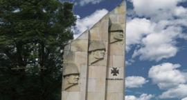 Remont pruszkowskiego Pomnika Pamięci Żołnierzy 36 Pułku Piechoty Legii Akademickiej