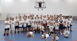 Pierwszy w Polsce Szkolny Kacpa Challenge w brwinowskiej hali sportowe