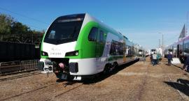 Stadler prezentuje pierwszy nowy elektryczny zespół trakcyjny typu FLIRT dla Kolei Mazowieckich