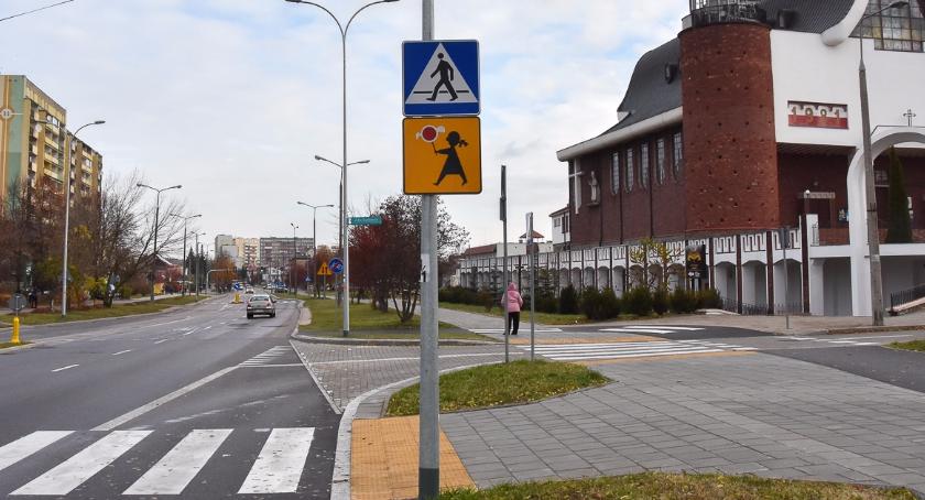 Felietony, gmina Demokracja uliczna - zdjęcie, fotografia