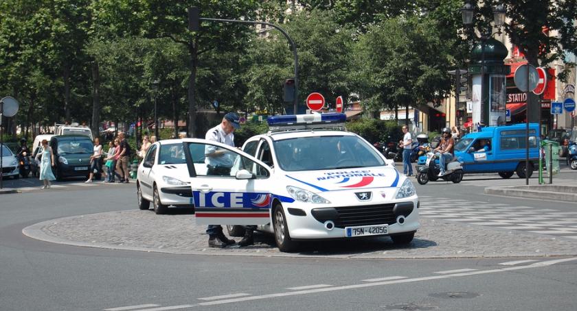 Motoryzacja, Francja zacznie liczyć punkty karne piratom drogowym Polski również - zdjęcie, fotografia