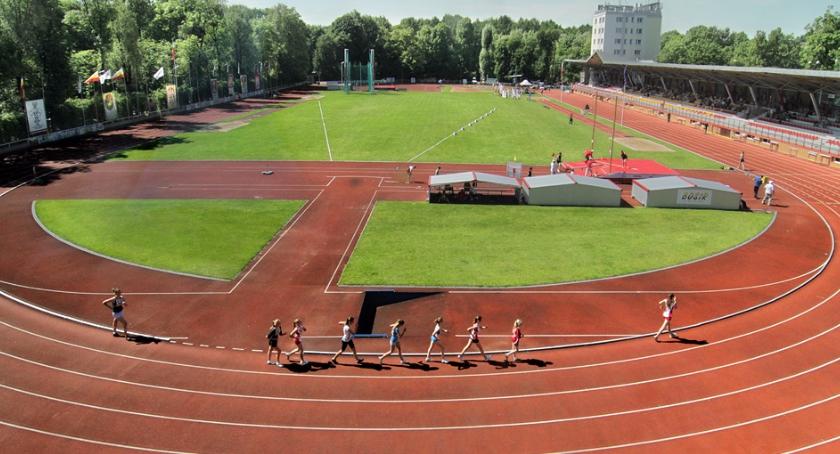 Sport, Białystok aktywnie wspiera lekkoatletykę wielu choć dopiero zaczął - zdjęcie, fotografia