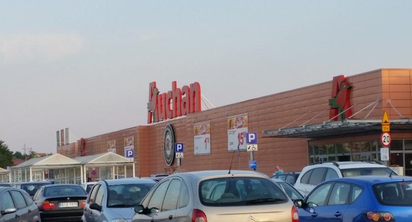 Lokalny biznes, Jarmarki Wianki weekend Auchan - zdjęcie, fotografia