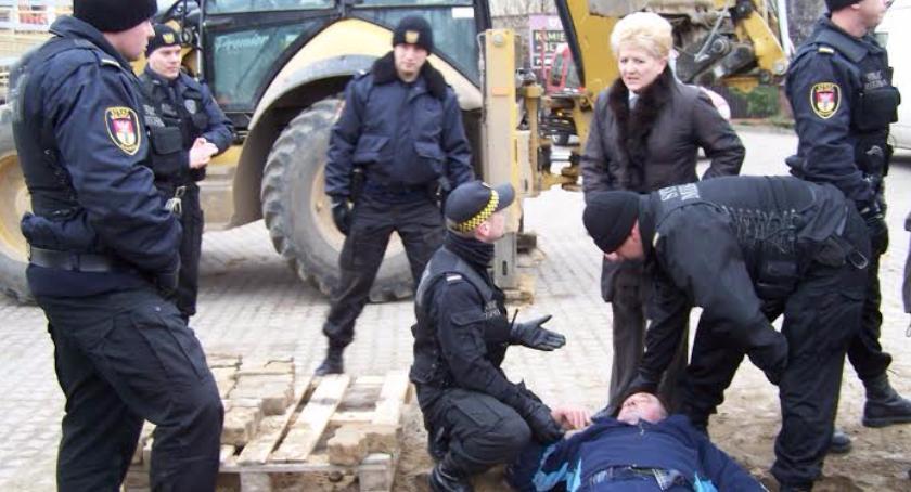 Wiadomości, Urzędnik oskarżony przekroczenie uprawnień Grozi więzienia - zdjęcie, fotografia