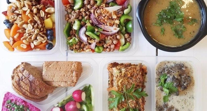 Styl życia, Dietetyczny catering lupą - zdjęcie, fotografia