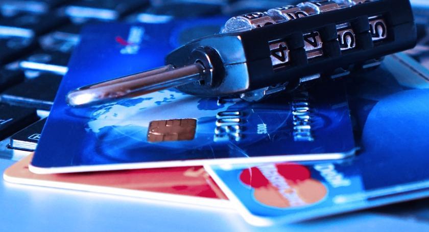 Gospodarka, Coraz częściej płacimy kartą potrzebna ogóle gotówka - zdjęcie, fotografia