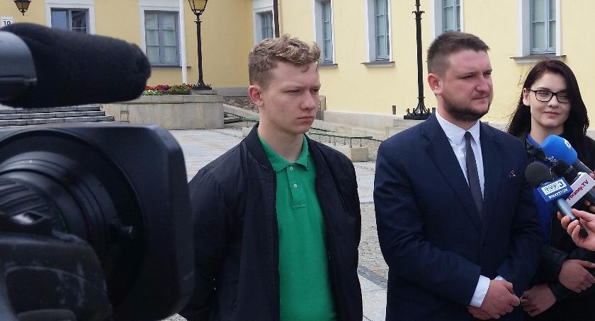 Wiadomości, Narodowcy będą dziś protestować przeciwko polityce Truskolaskiego przyjmowaniu imigrantów - zdjęcie, fotografia