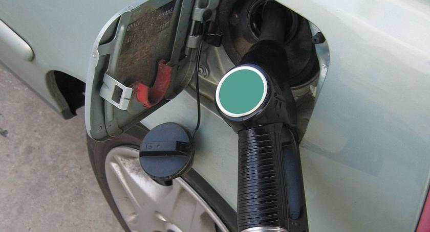 Motoryzacja, paliw rosną razie zmieni płacą kierowcy Podlaskiem - zdjęcie, fotografia