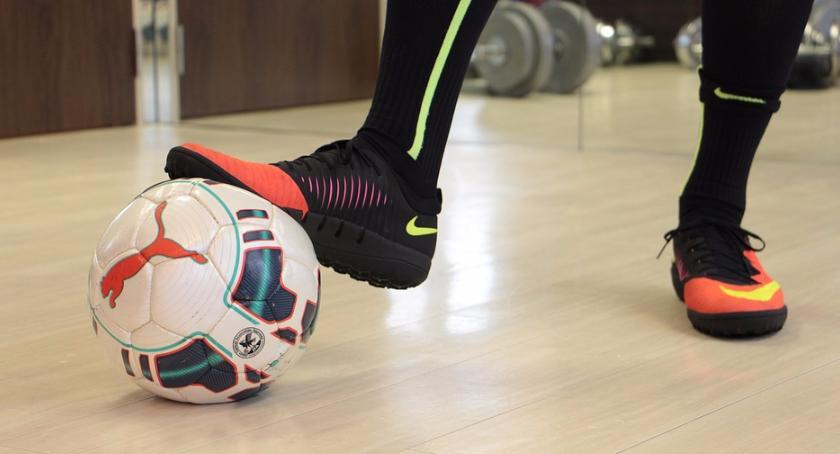 Piłka nożna, Słoneczni oślepili Smoki Pniewy zdobyte! - zdjęcie, fotografia