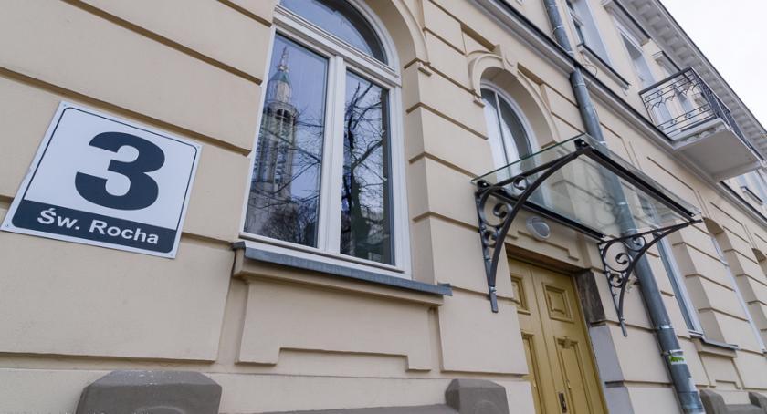 Wiadomości, nazwę budynku współpraca posypała - zdjęcie, fotografia