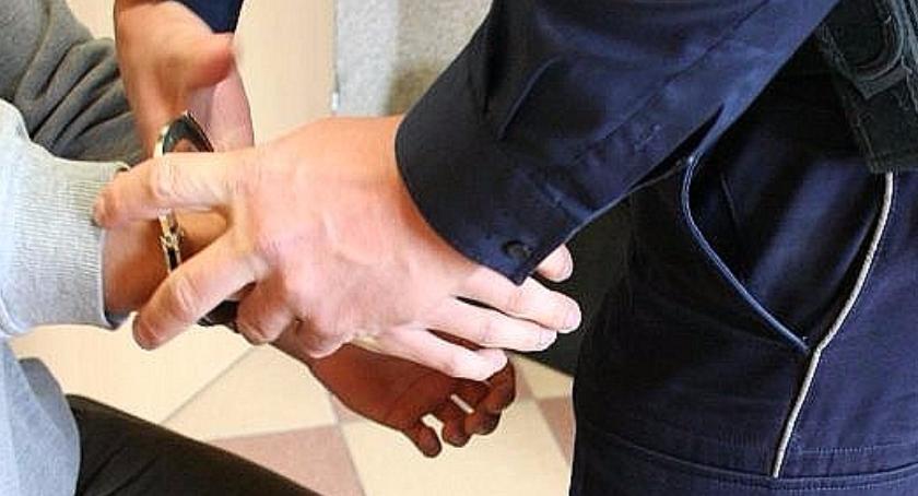 Wiadomości, Złapany nastolatek kradzieży trafił Policyjnej Dziecka - zdjęcie, fotografia