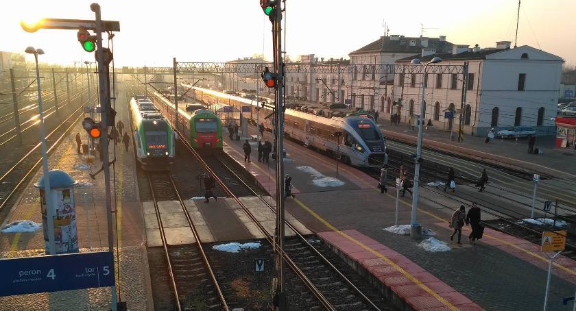 Wiadomości, rozkład jazdy pociągów problematyczny - zdjęcie, fotografia