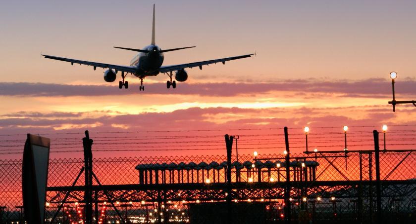 Gospodarka, Metropolią Białystok zostanie skoro będzie lotniska - zdjęcie, fotografia