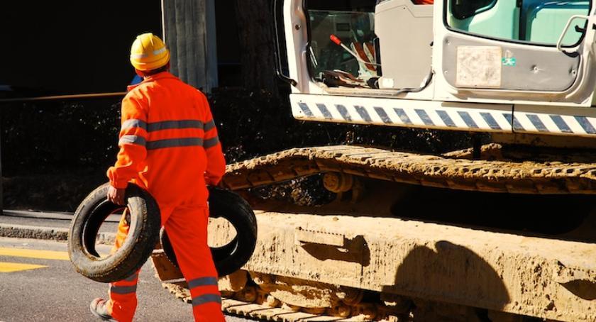Gospodarka, Brakuje pracy Coraz częściej poszukiwani pracownicy - zdjęcie, fotografia