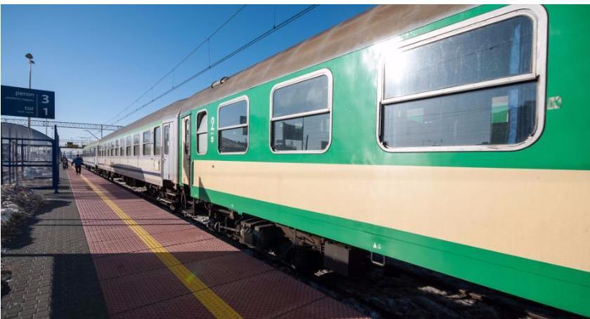 Wiadomości, promocja bilety kolejowe - zdjęcie, fotografia