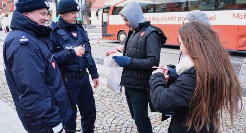 Wiadomości, Policjanci będą czuwać bezpieczeństwem wydarzeń WOŚP - zdjęcie, fotografia