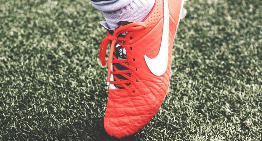 Piłka nożna, Słoneczna klątwa własnego parkiegu Kolejny remis Futsalekstraklasie - zdjęcie, fotografia