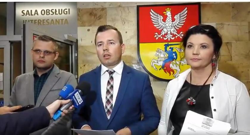 Wiadomości, Milion złotych rocznie nagrody urzędników - zdjęcie, fotografia