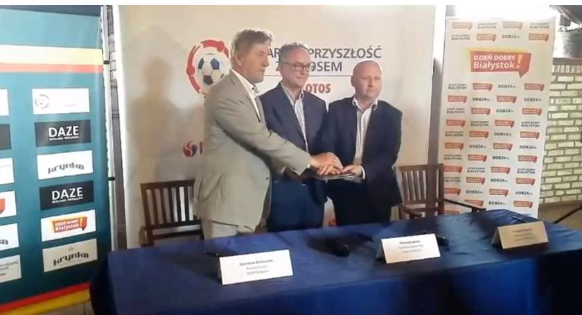 MOSP Białystok, Piłkarska Przyszłość Lotosem rusza kopyta Białymstoku - zdjęcie, fotografia
