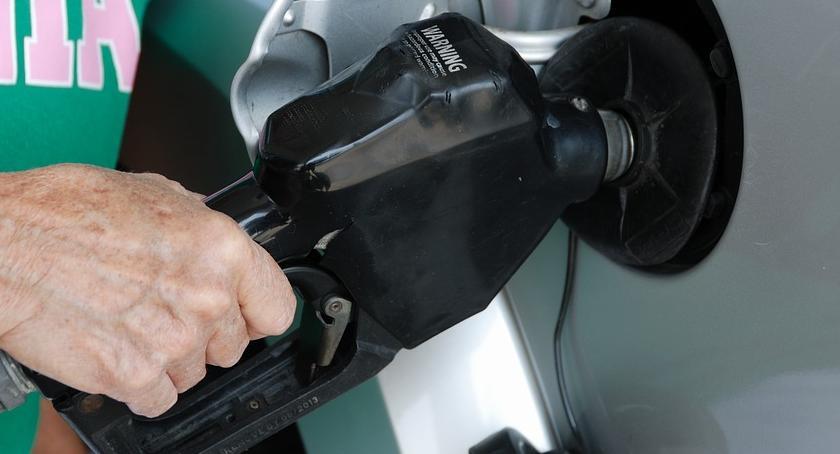 Motoryzacja, Nareszcie można nieco odetchnąć paliw nieznacznie tygodniach podwyżek spadają - zdjęcie, fotografia