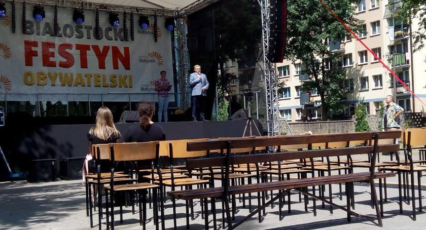 Wiadomości, Festynowe tourne prezydenta - zdjęcie, fotografia
