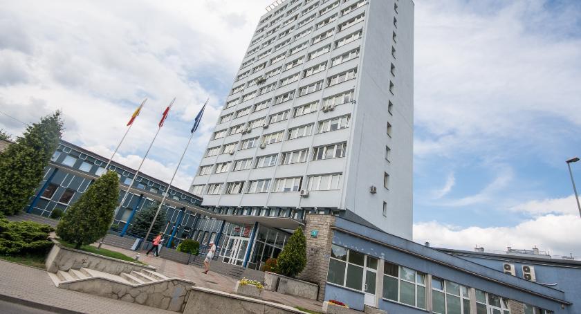 Wiadomości, Awaria systemów Białostocki magistrat sparaliżowany oblężony Zadzwoń zanim pójdziesz - zdjęcie, fotografia