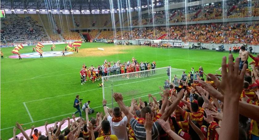 Piłka nożna, Jagiellończycy nagrodami dotacji - zdjęcie, fotografia