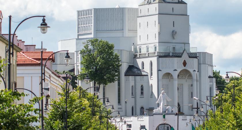 Wiadomości, Szykuje remont schodów kościoła Rocha - zdjęcie, fotografia