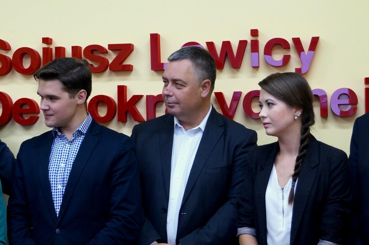 Wiadomości, Lewica zwiera szeregi ostatniej prostej kampanii podkreśla stawia ludzi młodych - zdjęcie, fotografia