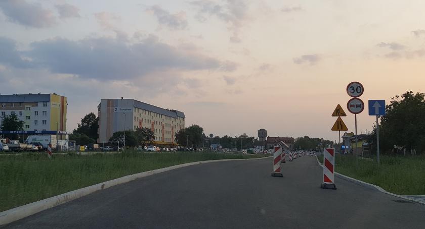 Wiadomości, Wrocławska wreszcie przejezdna Parafianie mogą dojechać kościoła - zdjęcie, fotografia