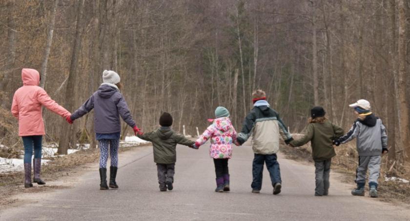 Wiadomości, Emerytura wychowywanie dzieci projekt ustawy - zdjęcie, fotografia