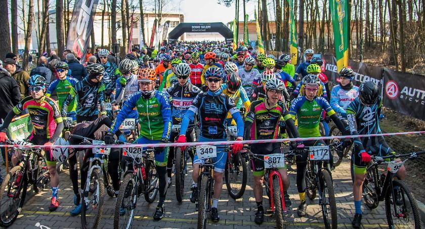 Sport, Grzej formę przed wyścigiem niedzielę przejedzie Peleton Pamięci - zdjęcie, fotografia