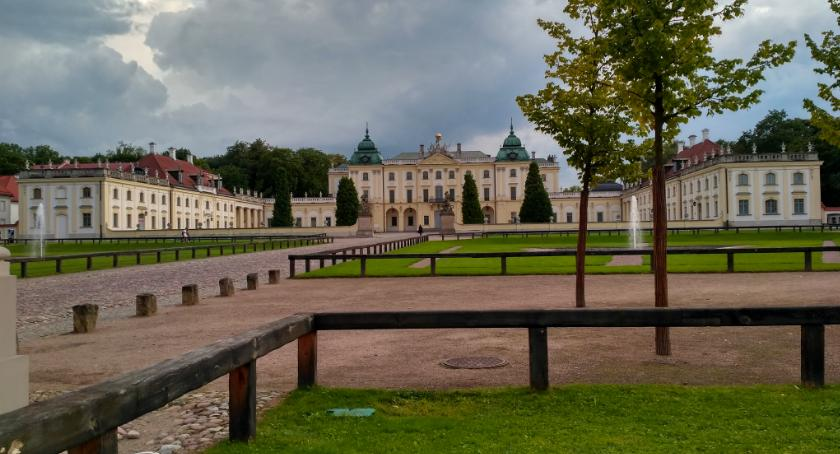 Wiadomości, Rynek Kościuszki Pałac Branickich miejsca najchętniej odwiedzane przez turystów - zdjęcie, fotografia