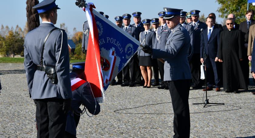 Wiadomości, Komenda Sejnach otrzymała sztandar - zdjęcie, fotografia