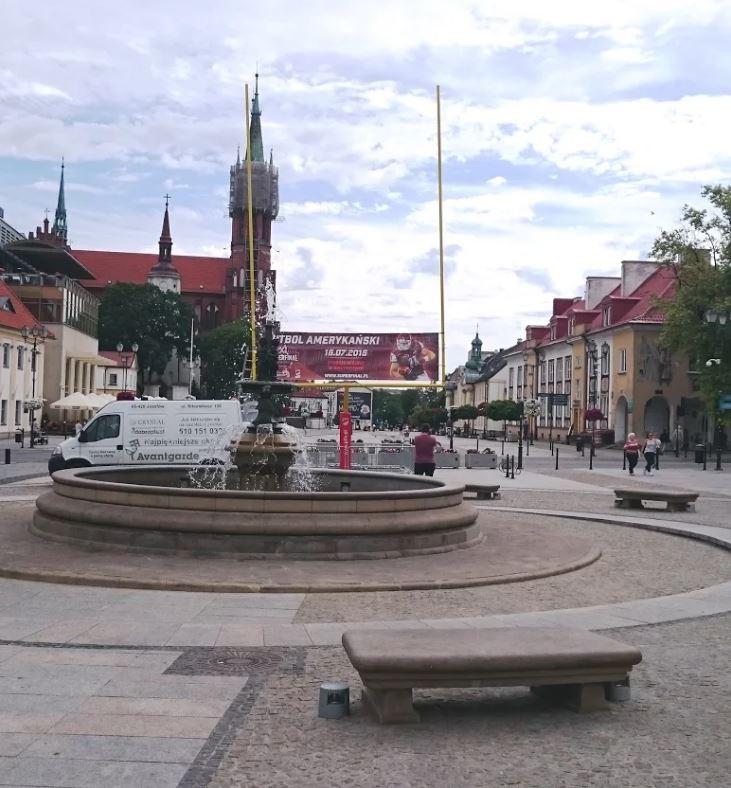 Sport, cóż takiego sercu Białegostoku wyrosły futbolowe monumenty - zdjęcie, fotografia