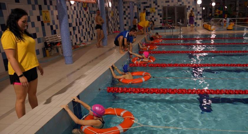 Sport, Pływalnia Rodzinna zaprasza uczestnictwa zawodach całe rodziny - zdjęcie, fotografia