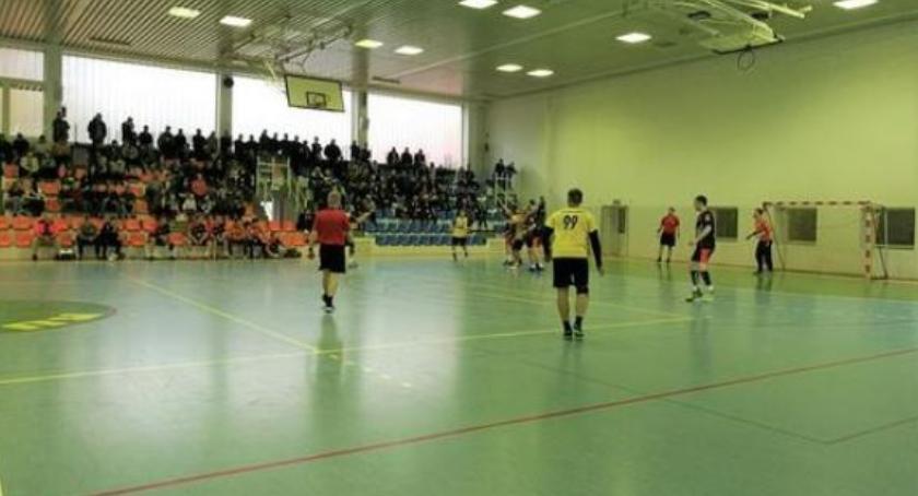 Sport, Białostocki Bestios pokonał Piekuty - zdjęcie, fotografia