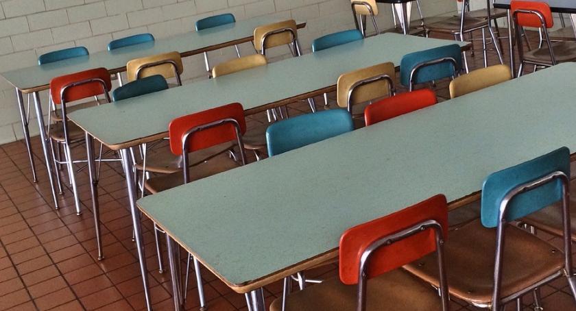 Wiadomości, Resort edukacji oferuje środki doposażenie szkolnych stołówek - zdjęcie, fotografia