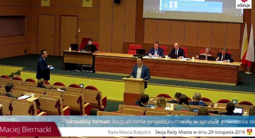 Felietony, gmina Obrońcy konstytucji prostytucji - zdjęcie, fotografia