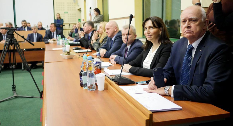 Wiadomości, Pecunia czyli Koalicja mać! - zdjęcie, fotografia
