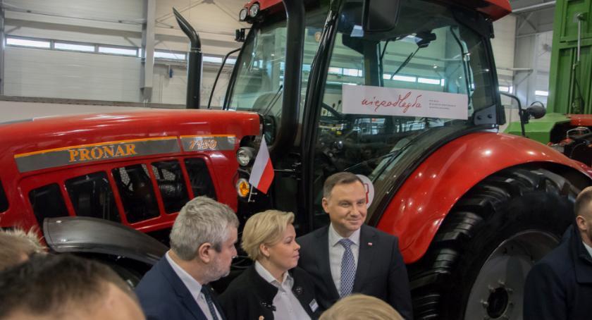 Lokalny biznes, Pronar prezentował wystawie rolniczej Poznaniu - zdjęcie, fotografia
