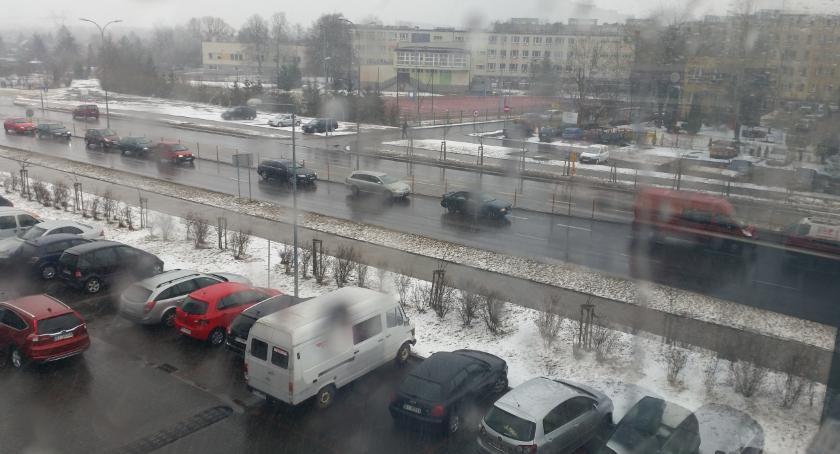 Wiadomości, śnieżnie ślisko zaskoczyła znowu Białystok - zdjęcie, fotografia