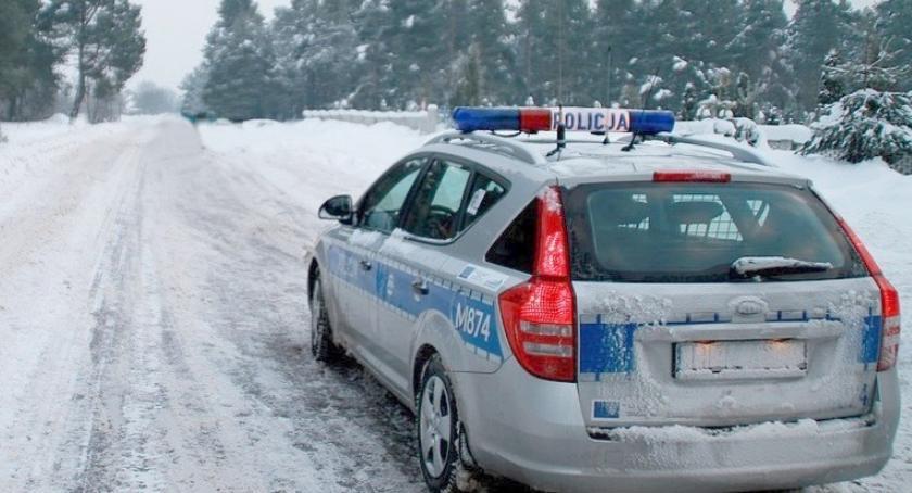 Motoryzacja, drogach więcej policjantów - zdjęcie, fotografia