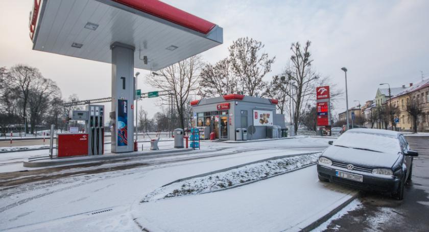 Motoryzacja, razie taniej stacjach paliw będzie dużo drożej - zdjęcie, fotografia