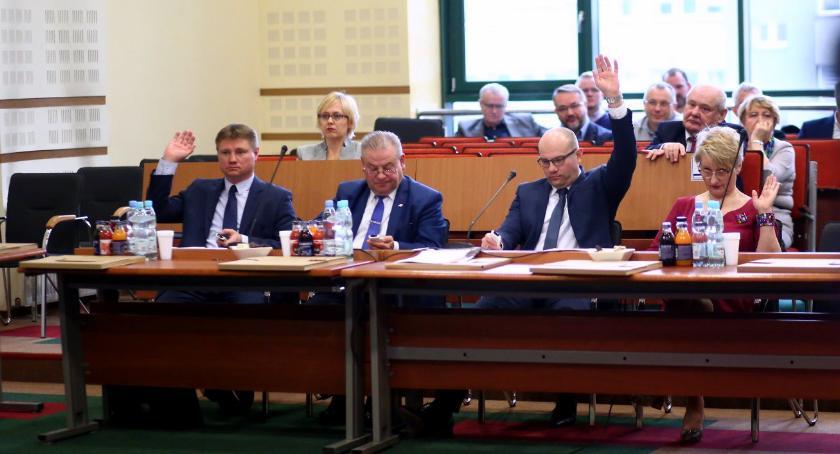 Wiadomości, Budżet stanowisko sprawie nienawiści inicjatywa obywatelska przyjęte przez Sejmik - zdjęcie, fotografia