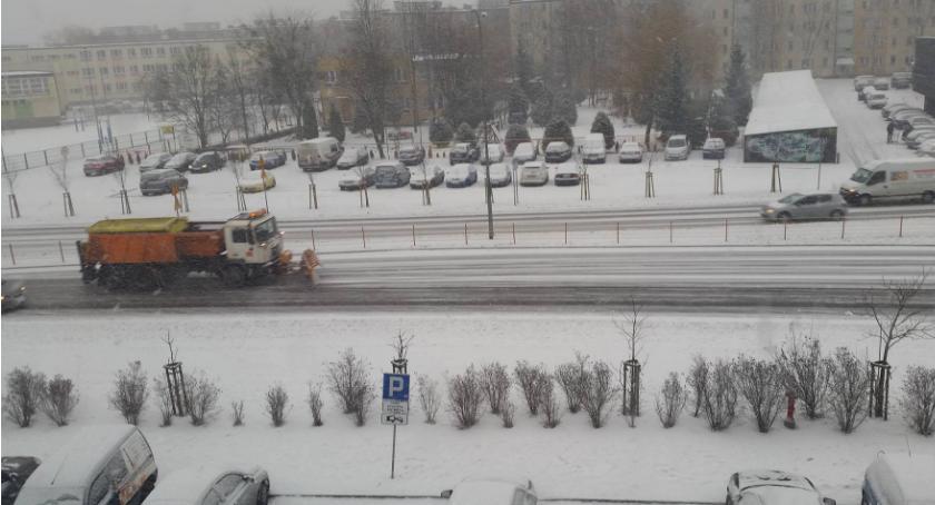Wiadomości, Ludność cywilna została oszczędzona ciągły ostrzał płatków śniegu - zdjęcie, fotografia