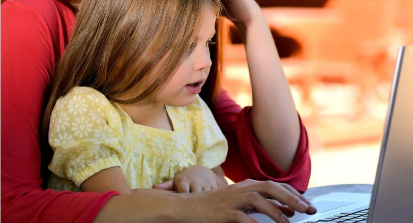 Styl życia, Rodzice muszą znać angielskiego żeby wspierać dziecko nauce - zdjęcie, fotografia