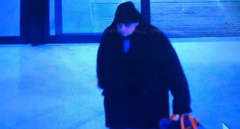 Wiadomości, Policjanci poszukują mężczyzny sprawcą kradzieży - zdjęcie, fotografia