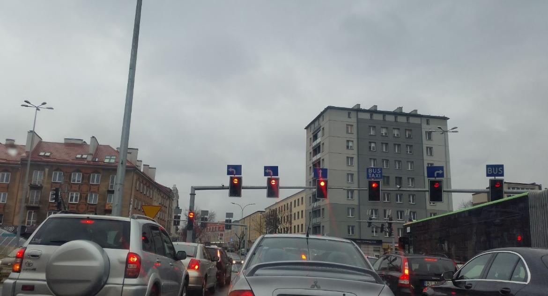 Styl życia, więcej więcej samochodów więcej smogu - zdjęcie, fotografia